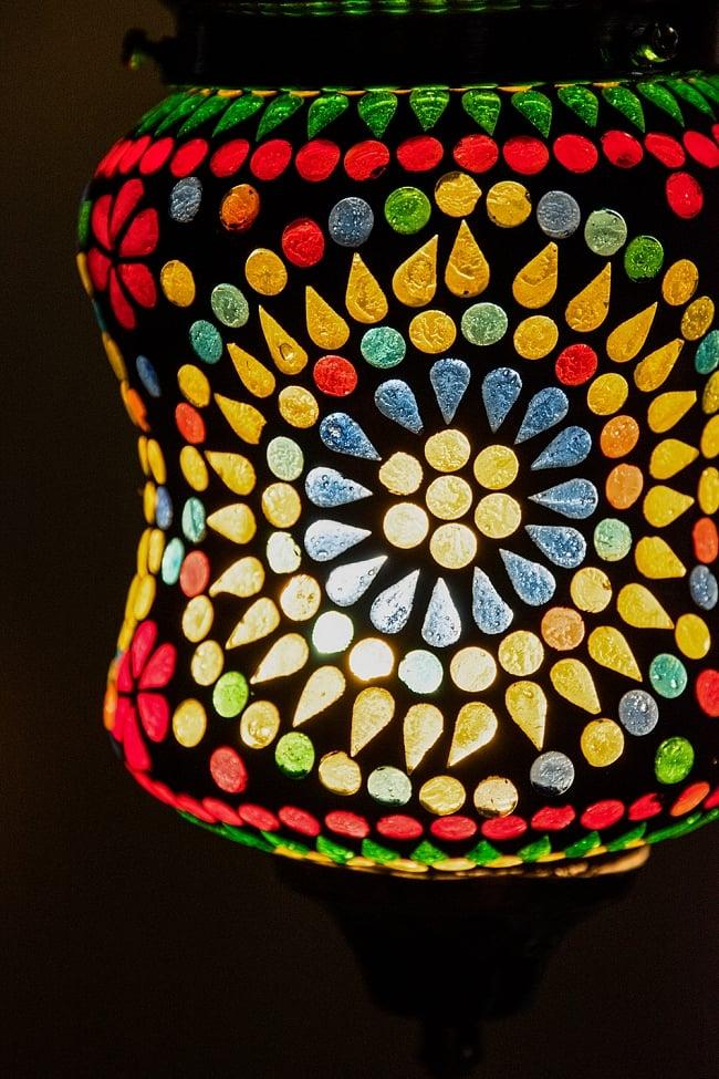 吊り下げモザイクランプ 直径12cm 2 - 明かりをつけてみました。幻想的でかわいいランプです。