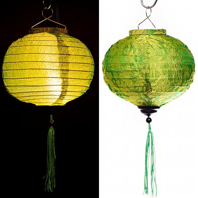 ベトナム伝統のホイアン・ランタン(提灯) -丸型 小 17 - ベトナムではこのように使われています。