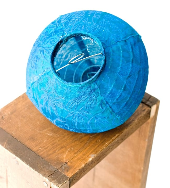ベトナム伝統のホイアン・ランタン(提灯) -丸型 小 6 - 別アングルから