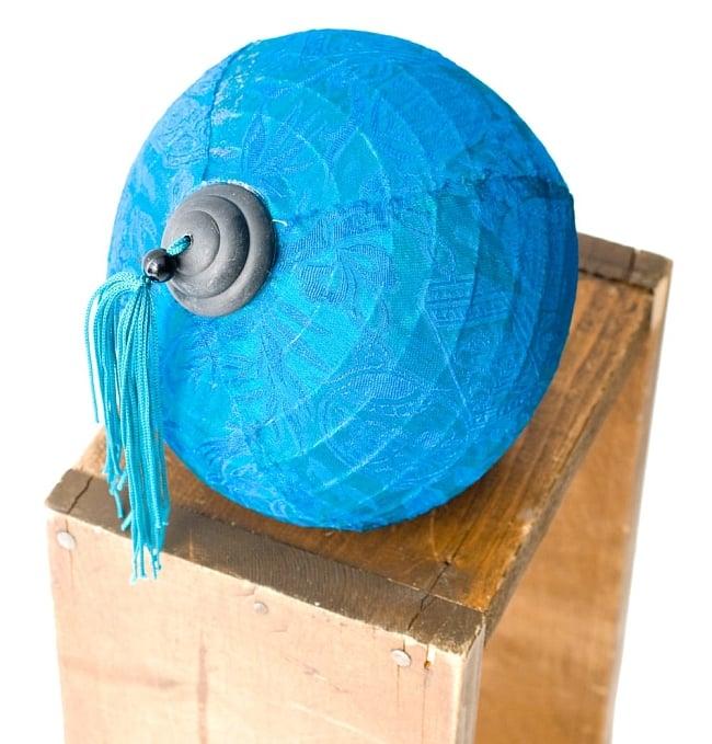ベトナム伝統のホイアン・ランタン(提灯) -丸型 小 7 - 別アングルから