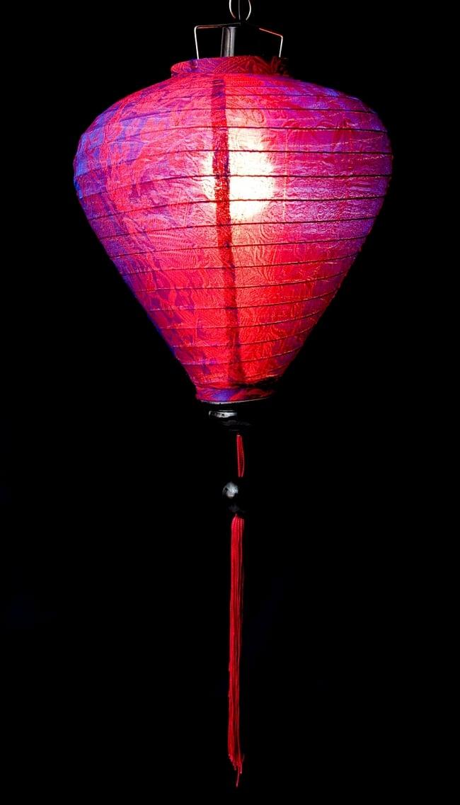 ベトナム伝統のホイアン・ランタン(提灯) -お椀型 大 2 - 商品の全体像です。エスニックなムードたっぷりのランタンです。