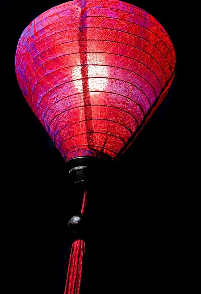 ベトナム伝統のホイアン・ランタン(提灯) -お椀型 大 4 - 商品の下部はこんな感じになっています。工夫をすればランタンの下にランタンも付けられちゃいます。