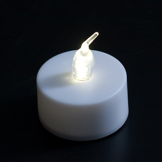 小さいのにまぶしい キャンドル型LEDホワイトライト 2 - 全体写真です