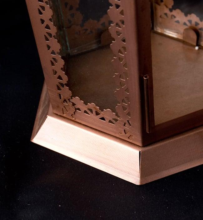 【29cm】モロッコスタイル スタンド型LEDキャンドルランタン【ロウソク風LEDキャンドル付き】 5 - キャンドルを置く部分をアップにしてみました