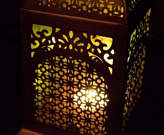 【26.5cm】モロッコスタイル スタンド型LEDキャンドルランタン【ロウソク風LEDキャンドル付き】 13 - 暗くして、中にキャンドルを入れてみました