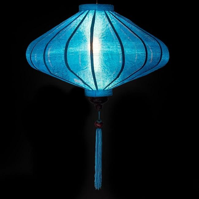 ベトナム伝統のホイアン・ランタン(提灯) - 薄ひし形(大) 2 - 点灯してみました。エスニックなムードたっぷりのランタンです。