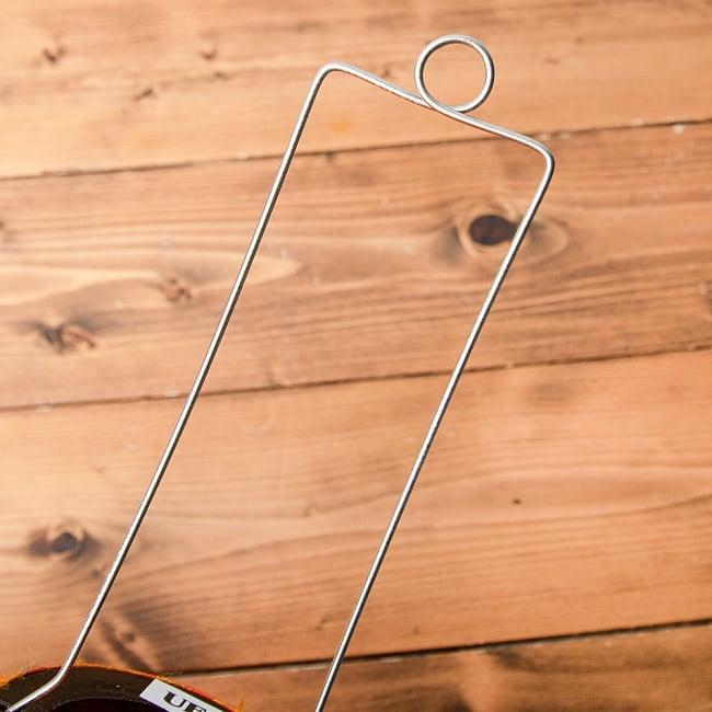 ベトナム伝統のホイアン・ランタン(提灯) - 薄ひし形(中) 13 - シンプルな金具です。