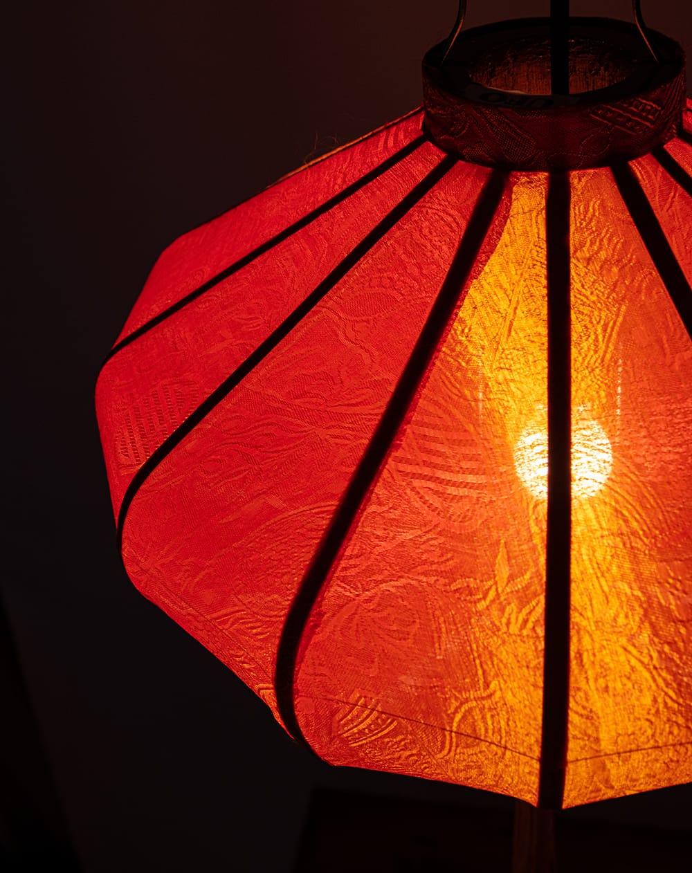 ベトナム伝統のホイアン・ランタン(提灯) - 薄ひし形(中) 5 - 角度を変えてみてみました。