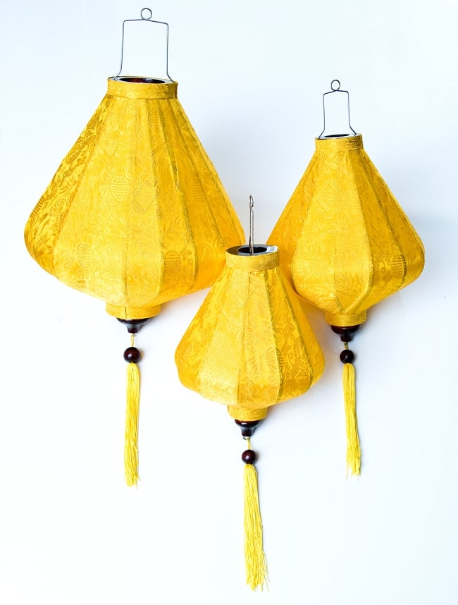ベトナム伝統のホイアン・ランタン(提灯) - ダイヤ型(大) 9 - 大・中・小の3サイズご用意しています。
