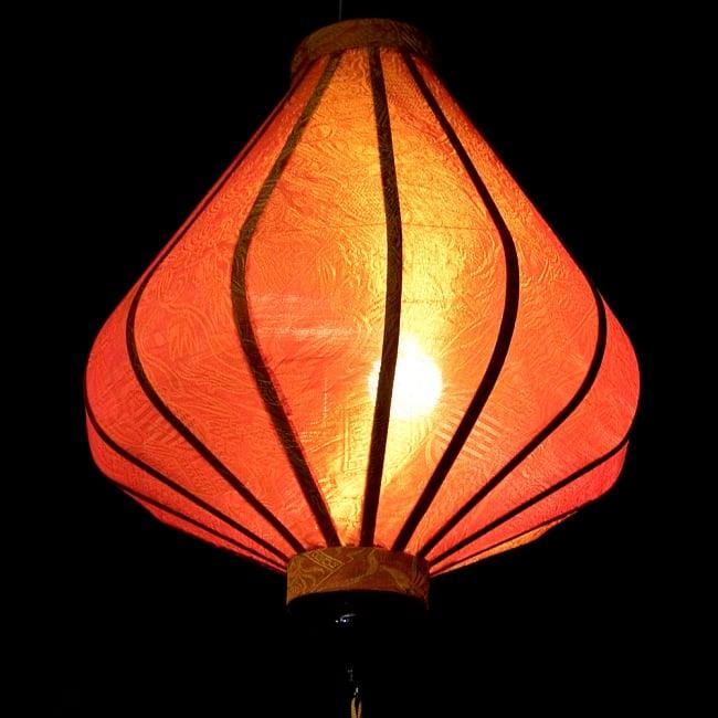 ベトナム伝統のホイアン・ランタン(提灯) - ダイヤ型(中) 5 - 点灯してみました。エスニックなムードたっぷりです。