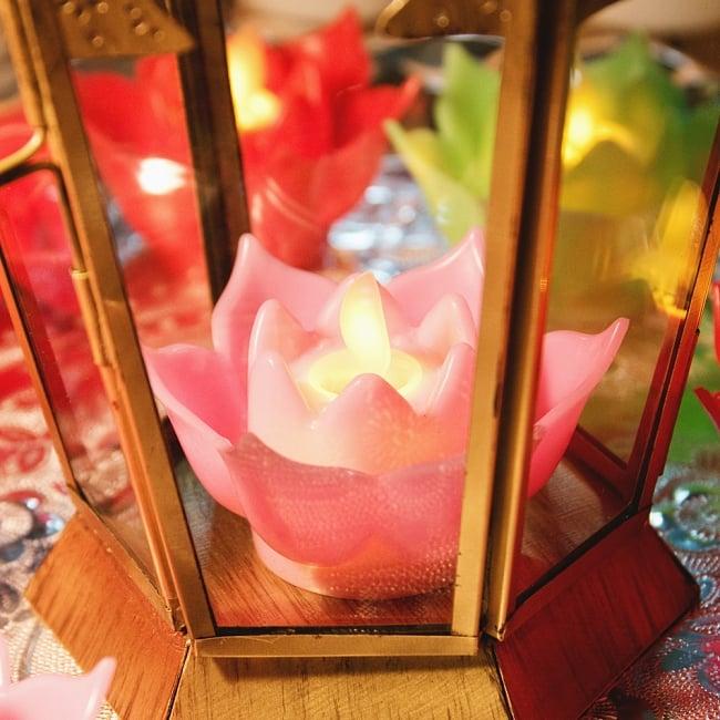 〔6個入り〕ゆらめく睡蓮の灯り  ロウソク風LEDロータスキャンドルライト〔3.5cm×7.3cm〕 11 - 別売りのキャンドルホルダーに入れると、より雰囲気がでます