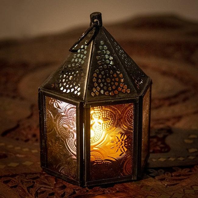 モロッコスタイルの透かし彫りキャンドルランタン【ロウソク風LEDキャンドル付き】 - 【レッド】約11×8cmの写真