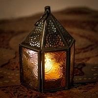モロッコスタイルの透かし彫りキャンドルランタン【ロウソク風LEDキャンドル付き】 - 【レッド】約11×8cm