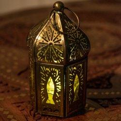モロッコスタイルの透かし彫りキャンドルランタン【ロウソク風LEDキャンドル付き】 - 【イエローグリーン】約12.5×6.5cm
