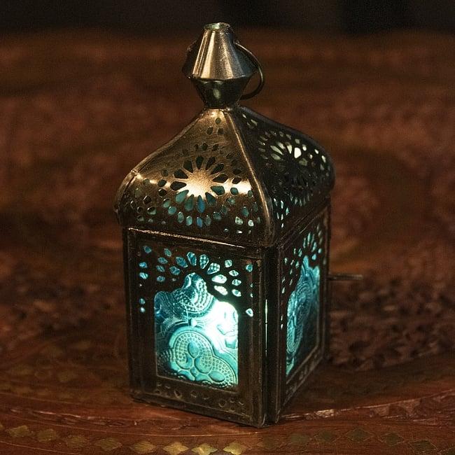 モロッコスタイルの透かし彫りLEDキャンドルランタン〔ロウソク風LEDキャンドル付き〕 - 〔ブルー〕約12.5×5.5cmの写真