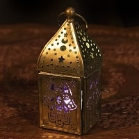 モロッコスタイルの透かし彫りLEDキャンドルランタン〔ロウソク風LEDキャンドル付き〕 - 〔パープル〕約13×7cm