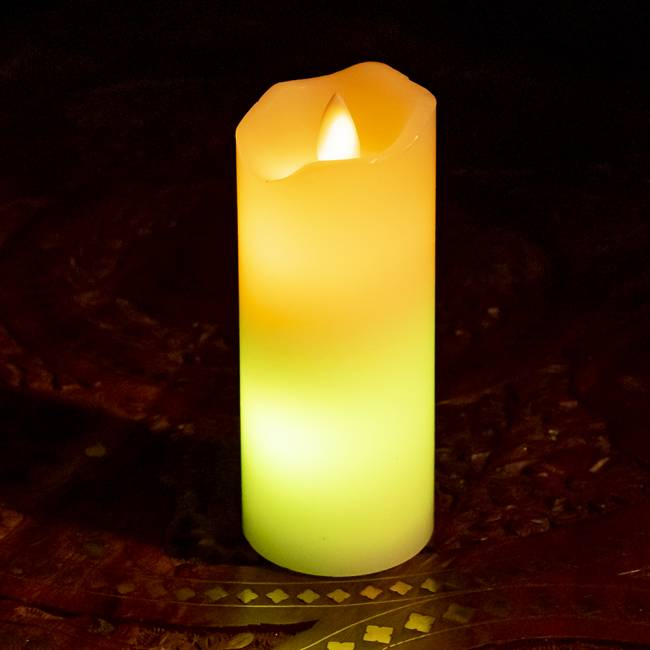 本物のロウで作られた ゆらめく灯火 ロウソク風LEDキャンドルライト レインボー〔5cm×12.5cm〕 5 - 色のグラデーションがとっても幻想的です。