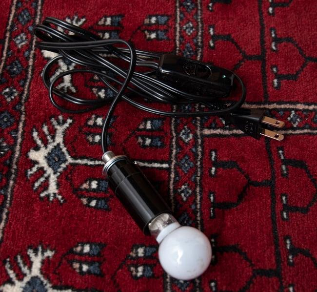 モザイクガラスのアラビアンランプ - 床置 14 - こちらが照明になります。E17の電球を付けられる物です。この状態でお送りいたしますので、大変お手数ではございますが組み込む際はご自身でお願いいたします。