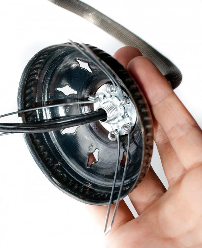 モザイクガラスのアラビアンランプ モザイクランプ - 吊り下げ型〔ソケット配線付属なしタイプ〕 7 - 配線する際は、このように中を通すことができるようになっております。