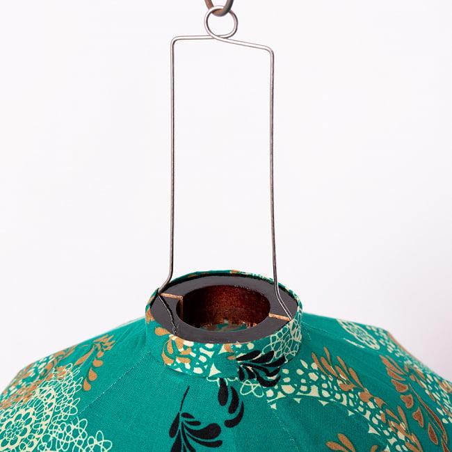 華やかな柄入り ベトナム伝統のホイアン・ランタン〔提灯〕 - 薄ひし形〔更紗模様〕 11 - この部分からランプなどを入れられるようになっています