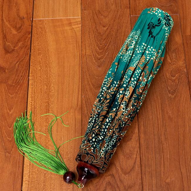 華やかな柄入り ベトナム伝統のホイアン・ランタン〔提灯〕 - 薄ひし形〔更紗模様〕 14 - 折りたためるので、コンパクトにしまっておけます。