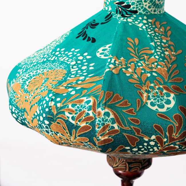 華やかな柄入り ベトナム伝統のホイアン・ランタン〔提灯〕 - 薄ひし形〔更紗模様〕 8 - 拡大写真です