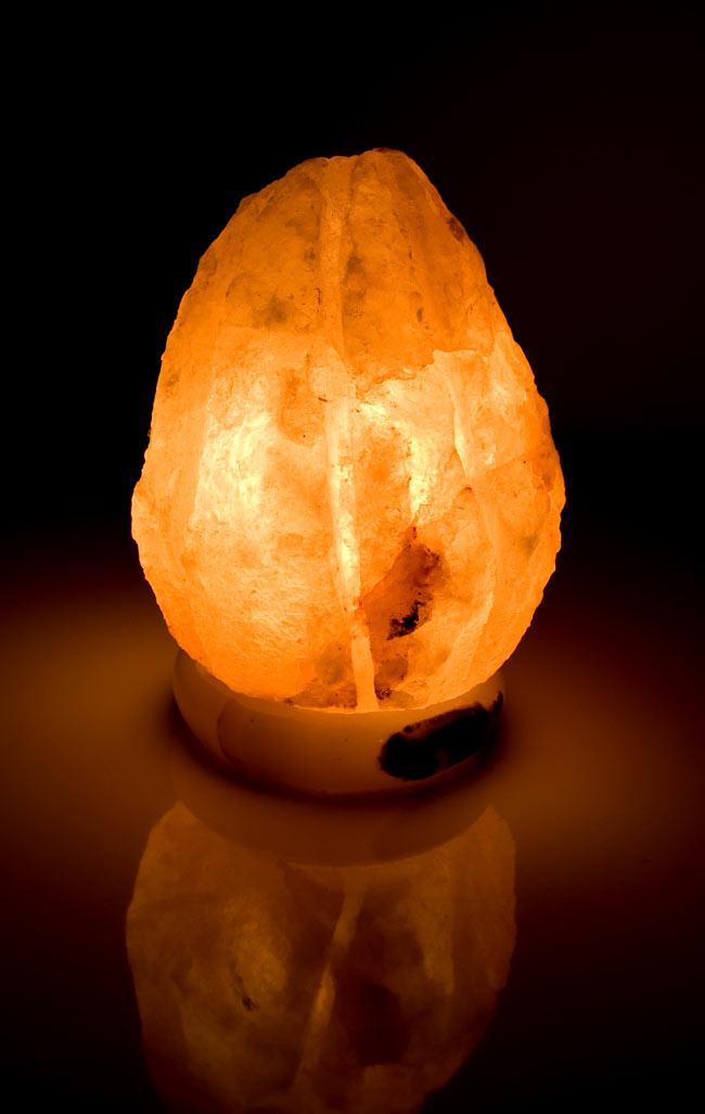ヒマラヤの岩塩ランプ【大:4-5Kg】の写真