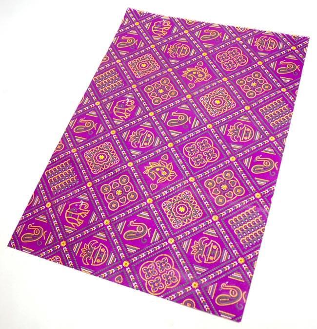 インド伝統のラッピング用紙 - 赤紫(5枚セット)の写真