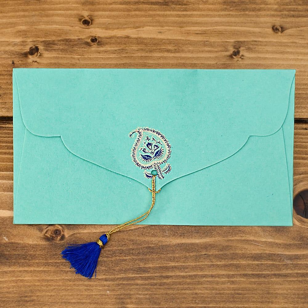 インドの封筒 -ARAADHYA 3 - 裏もとっても可愛いです!タッセルがとてもいい味を出しています^^