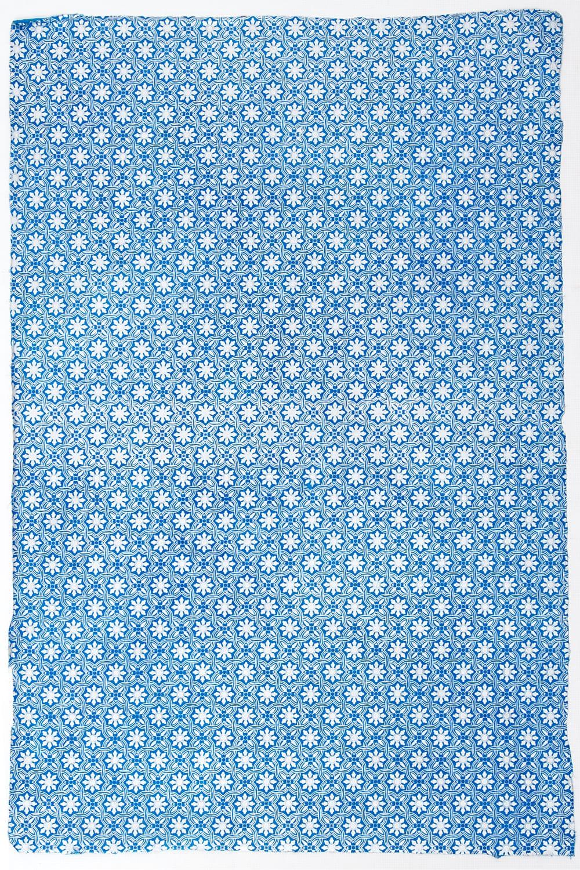 【75cmx50cm】ロクタ紙のラッピングペーパー3枚セット -銀と青・花柄の写真