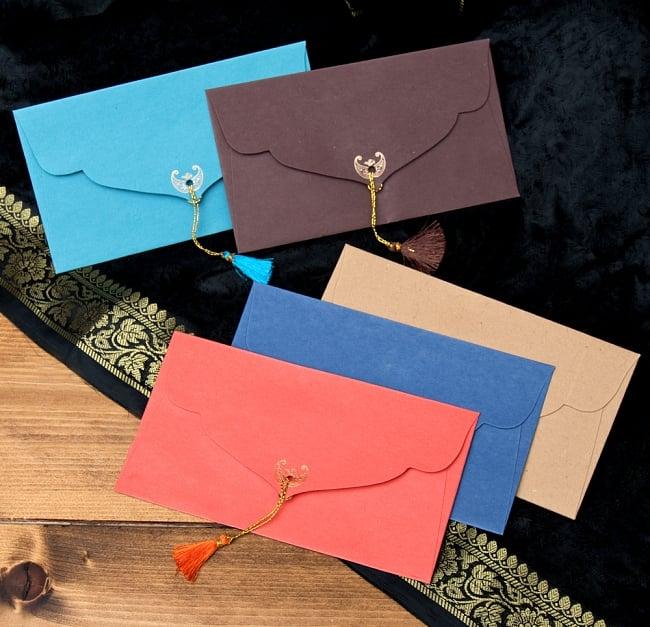 インドの封筒VASANT 3 - 裏もとっても可愛いです!タッセルがとてもいい味を出しています^^
