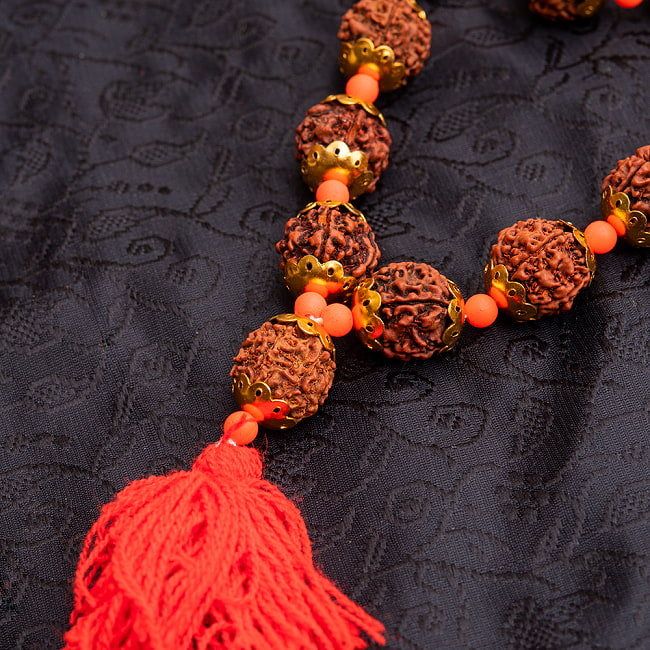 金色の菩提樹の数珠-約35cm程度 3 - 商品の房の部分をズームしてみました