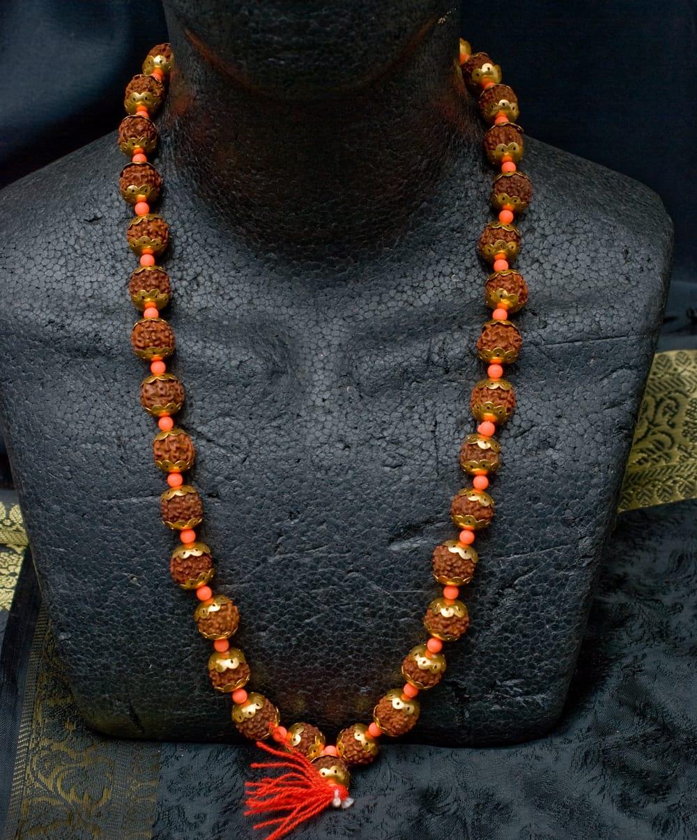 金色の菩提樹の数珠-約35cm程度 5 - 首にかけるとこのような感じになります