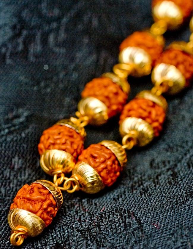 金色の菩提樹の数珠(小粒)- 約80cmほど 3 - 商品の房の部分をズームしてみました