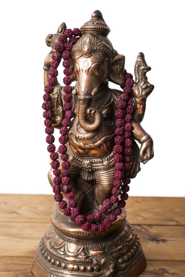 ルドラクシャ(菩提樹)の数珠 6 - 神像に掛けてみました。