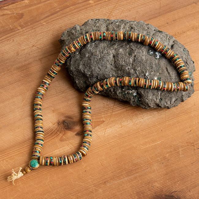 ネパールの数珠の写真2 - 装飾部分です。