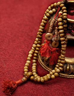 ネパールの数珠 - 飾りつき(白)