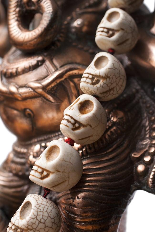 骸骨の数珠 - 大の写真3 - 虚ろな視線の先にあるものは