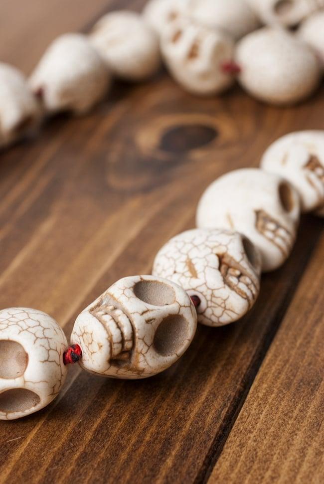 骸骨の数珠 - 大の写真7 - 重厚で存在感のある数珠です。