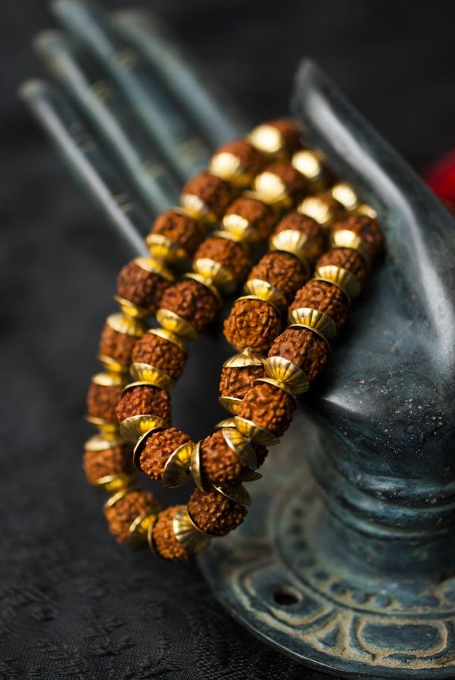 インドの数珠 - 小ルドラクシャと金細工(大) 5 - 神々の住まう大陸を偲ばせる数珠です。