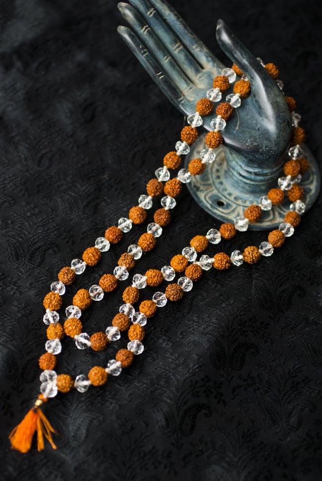 インドの数珠 - ルドラクシャとクリスタルの写真