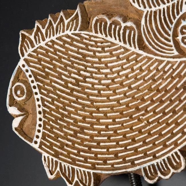 ウッドブロックハンガー【魚】[18cm x13.5cm]の写真3 - 拡大写真です。