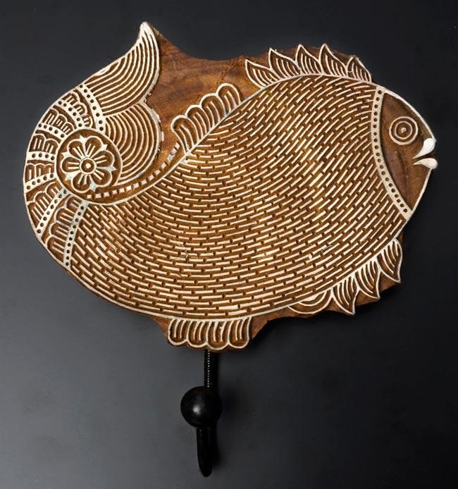 ウッドブロックハンガー【魚】[24cm x 20cm]の写真