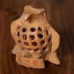 【一木造り】インド職人の手作り透かし彫り木像 ジャリ - コンドル