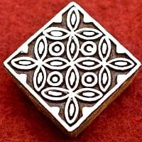 花模様の正方形ウッドブロック-約5.5cm