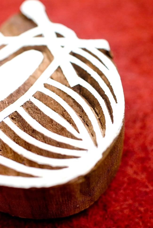 ウッドブロックスタンプ【チャンダ】-約6cmx6.5cm 2 - 丁寧に彫り込まれています