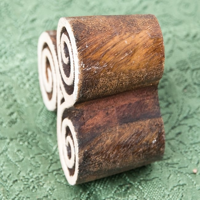 インド伝統の手彫りウッドブロックスタンプ4.5×4.5cm 3 - 厚みがあります