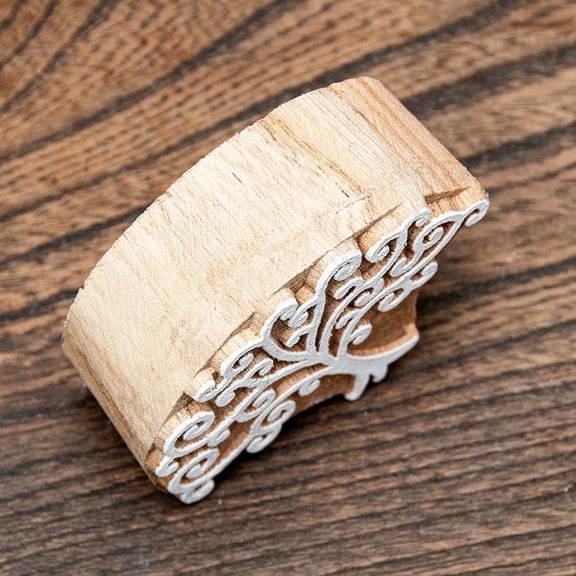 インド伝統の手彫りウッドブロックスタンプ7×5.5cm 3 - 厚みがあります