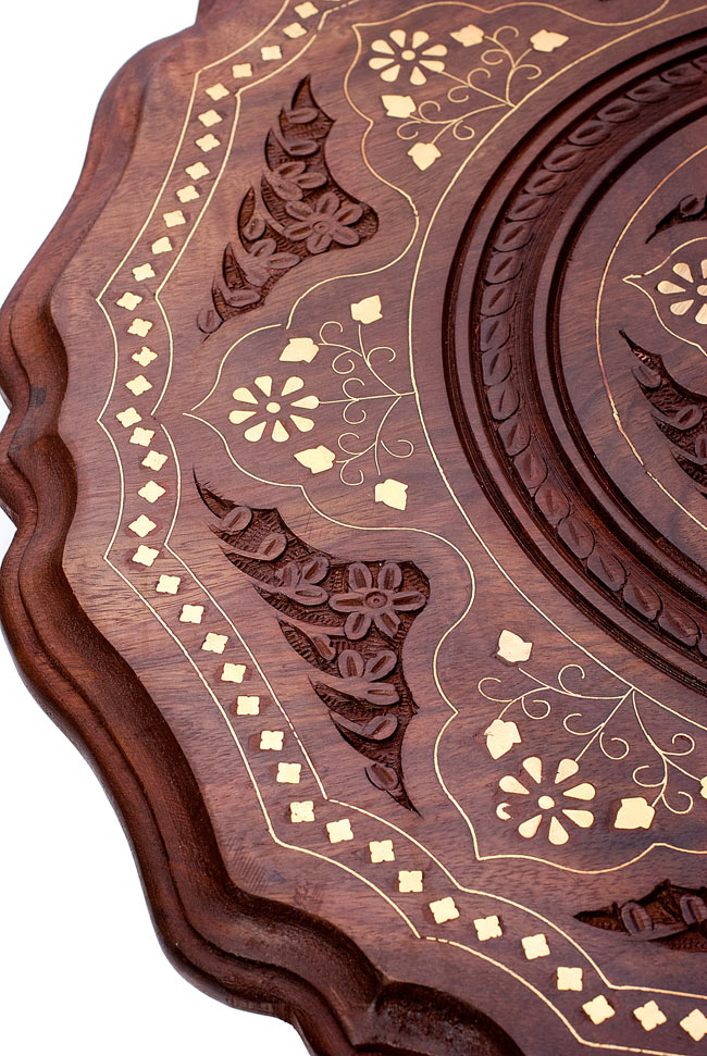 アジアンサイドテーブル 【直径:44cm】【三脚】の写真3 - テーブル面の美しいデザインをご覧ください