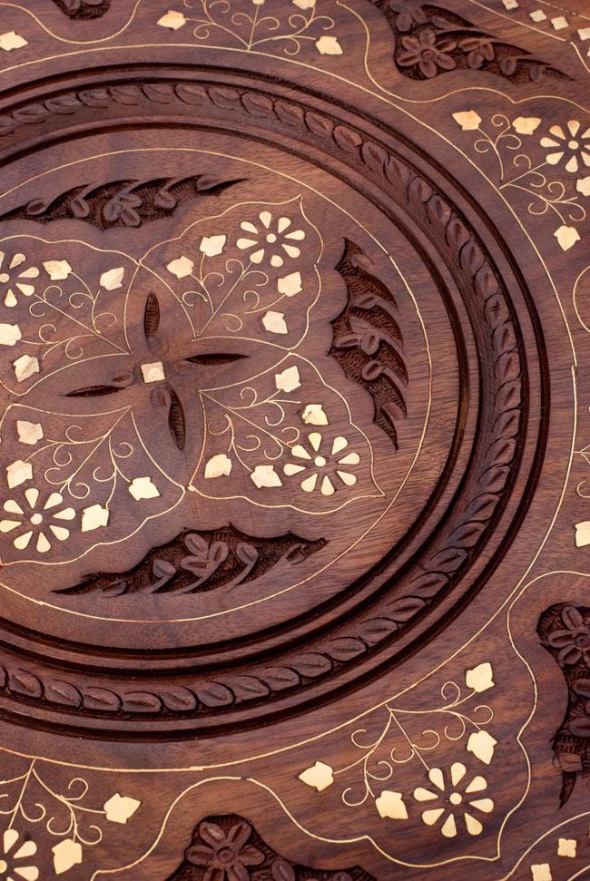 アジアンサイドテーブル 【直径:44cm】【三脚】の写真4 - 素敵な装飾ですね。